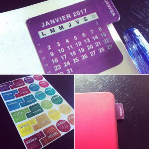 stickers à onglets pour marquer mon calendrier bullet journal